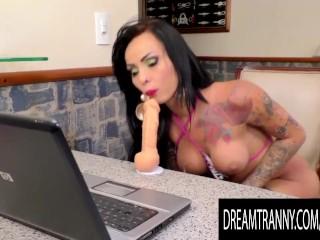 Hot Dildo Cam Show Featuring big butt shemale Nicolly Pantoja