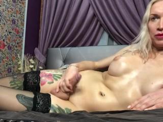 boosty big dicked russian amatear tranny eva jerks off on webcam