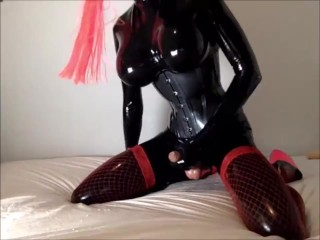 sleazy Busty ts In Latex Masturbating To climax