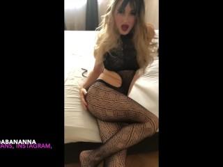 tgirl Lindabananna show her little secret \ teaser