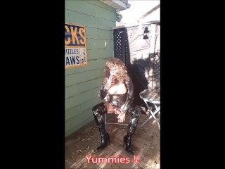 MzRoxy Fetish, transexual having a smoke on the patio !